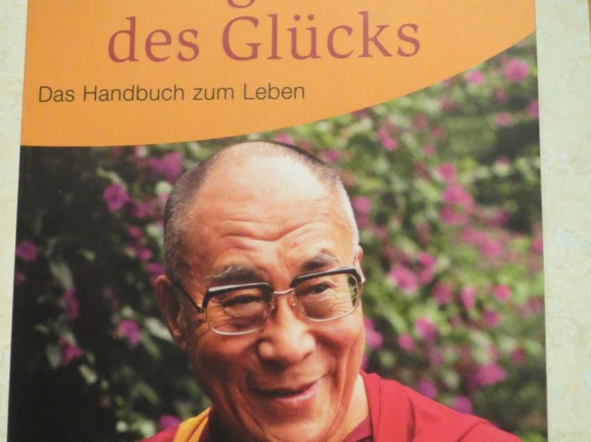 """""""Die Regeln des Glücks: Ein Handbuch zum Leben"""" von Dalai Lama und Howard C. Cutler"""