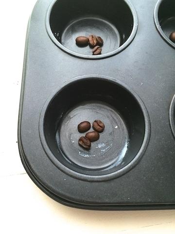 mit Kaffeebohnen