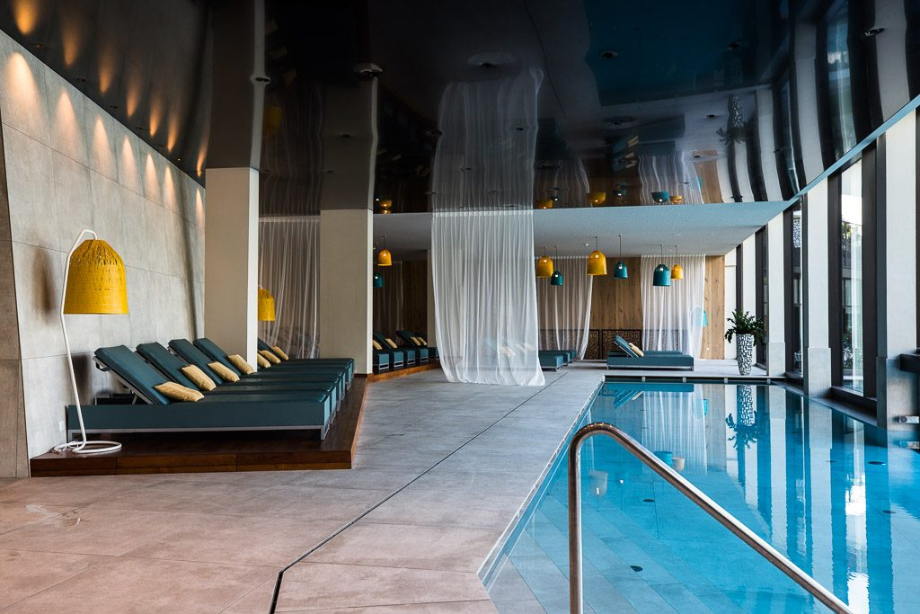 Indoor Pool Schenna Resort (c) Corinna Stabrawa